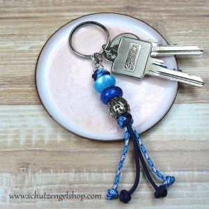 Schlüsselanhänger aus Paracord in Blautönen und 3 passenden Perlen